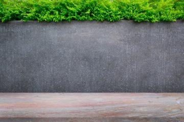Cloture en béton plein pour un jardin