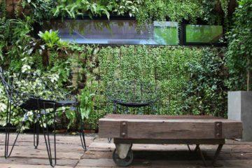 Mur de jardin végétal dans une ambiance chic