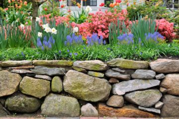 Enrochement pour consolider un terrain ou décorer son jardin