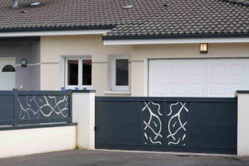 Portail personnalisé d'une belle maison moderne