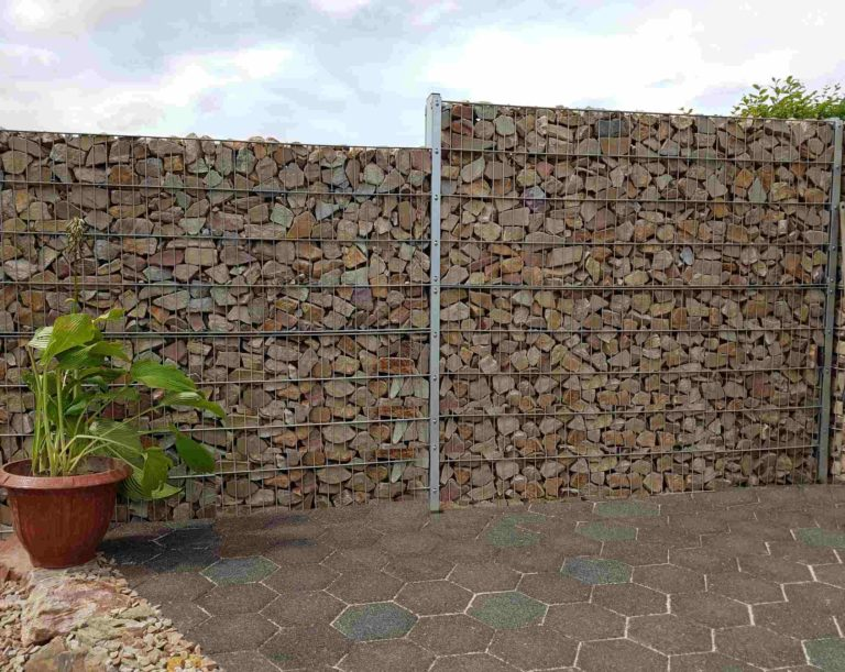 Belle clôture mitoyenne avec pierre, mur à gabion