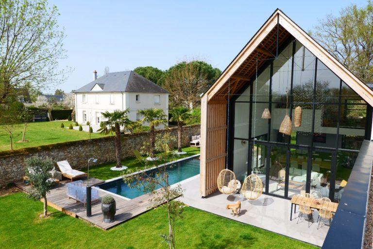 Tour de piscine, cuisine d'été et végétalisation