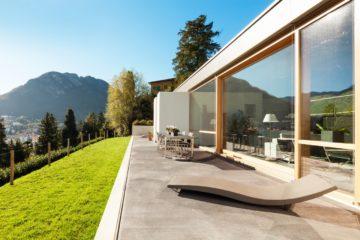 Comment construire sa terrasse sur une dalle en béton ?